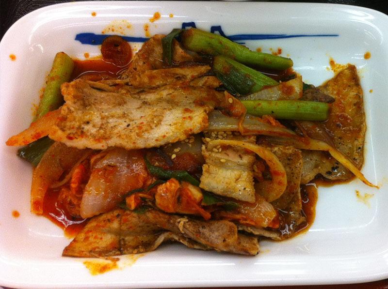 松屋 豚キムチ定食を食べてみました。