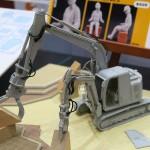 ハセガワ 1/35日立建機 双腕仕様機 アスタコNEO 模型ホビーショー2015