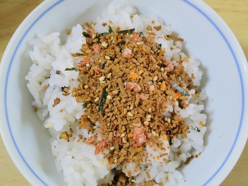ニチフリ ハンバーグ味 ふりかけ てりやき風味を食べてみました。