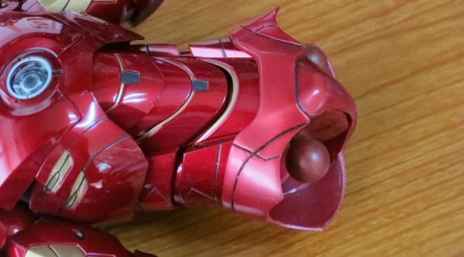 ホットトイズ アイアンマン ピンクパンツ塗装補修